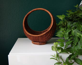 VINTAGE Basket Crescent Round Small Wicker Home Decor