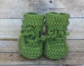 Best Stay-On Baby Booties in washable merino wool