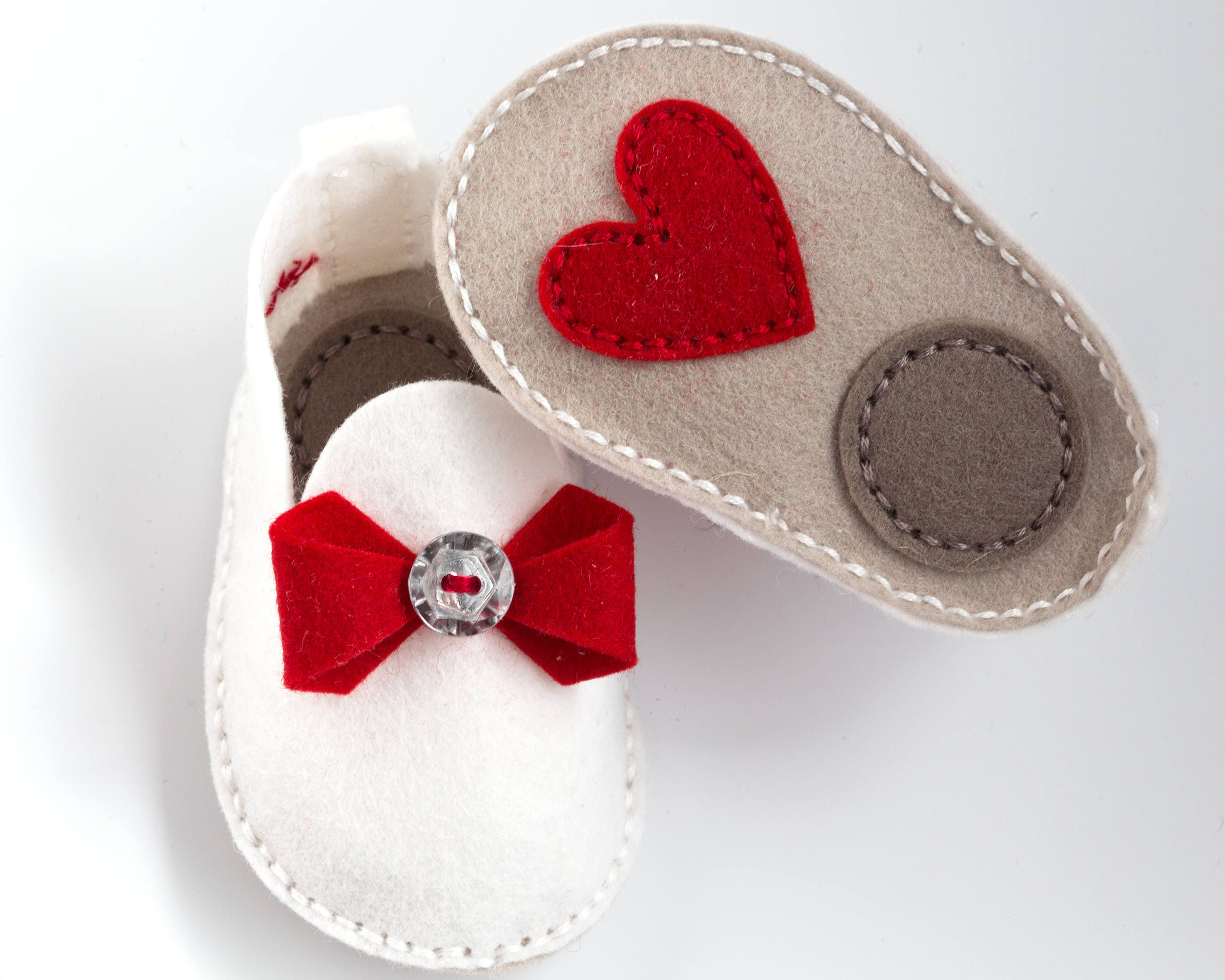 valentine baby handmade baby shoes red bow and heart unique baby gift wool felt crib shoes baby booties shower gift baby gift set