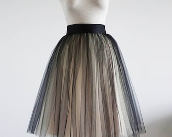 Black/Powder puff tulle skirt. Bridesmaids tulle skirt .Women tulle skirt.Tulle skirt. Bridal tulle skirt. Tutu skirt women. Tutu skirt.
