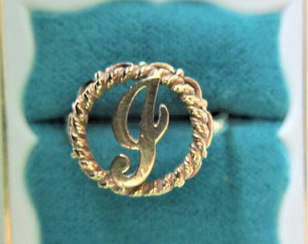 14K Ring Solid Yellow Gold Initial J 1.19 Grams Size 6 1/2  Vintage Ladies  Excellent Condition