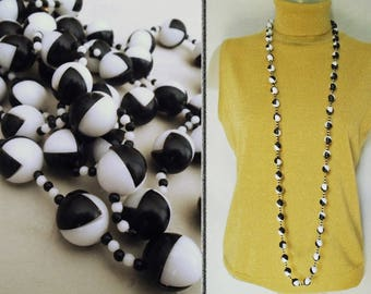 Color Block Necklace is a GOGO Bead Necklace from the Mod 60s, Black and White Geometric Beads, Long Beaded Necklace, 60s GoGo Dancer Beads