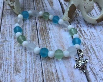 Sea Turtle Charm Bracelet/Sea Glass Mix/Beaded Stretch Bracelet/Beach Girl