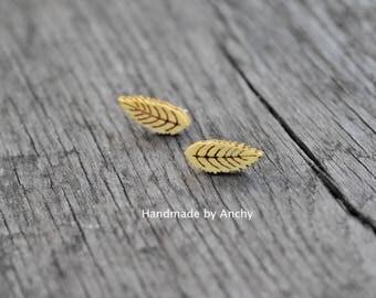 Wooden leaf silver plated stud earrings*