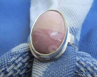Unusual Pink Agate in Classic Argentium Ring Size 7 & a Half