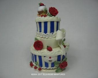 12th scale miniature Celebration Roses Cake