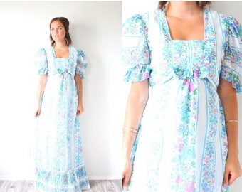 40% OFF CHRISTMAS in JULY Vintage boho blue floral modest dress // floral summer dress // boho modest dress // short sleeve hippie prairie 1
