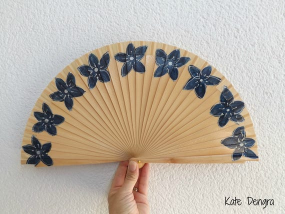 Natural Wood Navy Flowers Hand Fan