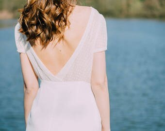 BI-material white backless dress