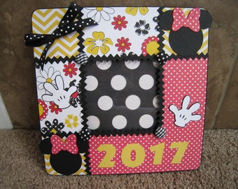 Disney Decorative Frame  - Minnie Mouse - We Are Going to Disney - Surprise
