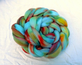 4 ouncex of hand dyed Cormo wool roving