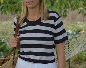 SALE Black White Striped top SILK top KNIT Top Tshirt Vintage 80's short sleeve top