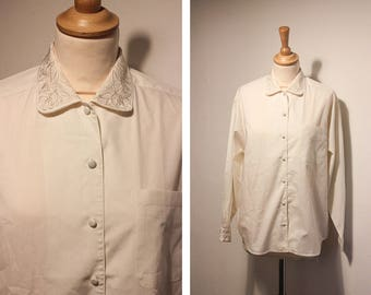 Vintage Embroidered Collar Off-White Shirt