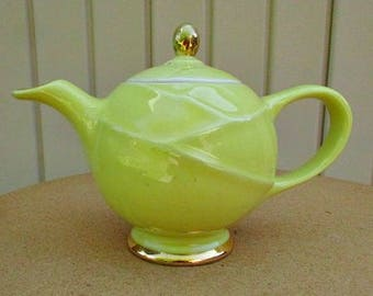 vintage 40s hall yellow teapot gold gilt  made in usa