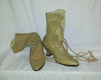 Vintage Antique Victorian Edwardian Tan Leather Lace Up Granny Boots