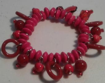 Ladies red elastic charm bracelet