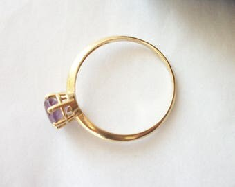 14 k Yellow Gold Ring ~ Vintage Solitaire Amethyst ~ Lilac Purple Untreated Stone ~ February Birthday Gemstone ~ Ladies Fine Jewelry