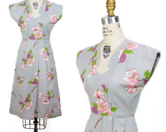 1940s Dress // Pink and White Floral on Grey Waffle Weave Cotton Dress