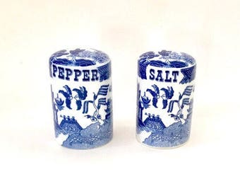 Vintage Pair of Salt and Pepper Shakers, Blue Willow Pattern