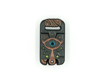 Sheikah Slate / Legend of Zelda Soft Enamel Pin / Glow in the Dark / Lapel Pin / Nintendo / Video Game Pin / Messenger Bag / Backpack