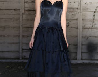 Vintage 1980s Gunne Sax by Jessica McClintock Dress black satin boned bodice tiered skirt crinoline Small Ladies