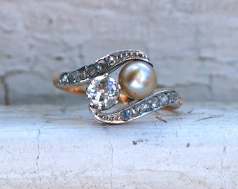 Antique 14K Yellow Gold Diamond and Pearl Twin Stone Ring.