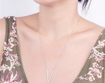 ON SALE Delicate simple everyday elegant sharp V necklace