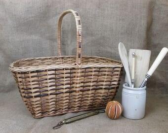 Vintage Basket~Woven Hazel~Shopping~Fruit Picking~Foraging~Wicker Basket~Picnic Basket~