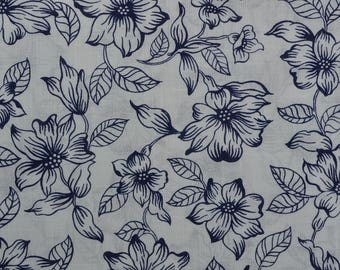 Vintage Floral Fabric Yardage, Navy White Fabric, Cotton Blend, Linen Look, White Navy Floral - 4 Yards - CFL2352