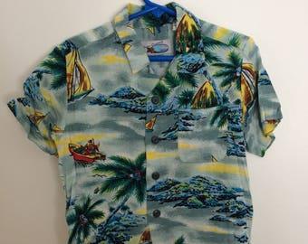 Vintage boys Hawaiian shirt size 4T rayon