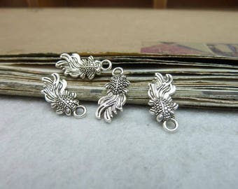 The  antique  silver  plating fish pendant finding