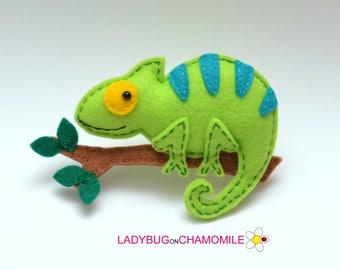 Felt CHAMELEON, stuffed felt Chameleon magnet or ornament, Chameleon toy, African animals, Nursery decor, Chameleon magnet,Safari,Chameleon