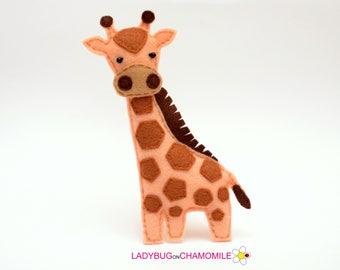 Felt GIRAFFE, stuffed felt Giraffe magnet or ornament, Giraffe toy, African animals, Nursery decor, Giraffe magnet,Safari animals, Giraffe