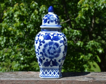 Tall Blue and White Chinoiserie Ginger Jar with Lid.  Squared Chinese Porcelain Vase with lid.  - VC373