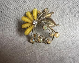 Fun sparkly rhinestone brooch - 1960s or 1970s