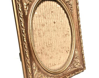 IIC 1970s 5x7 Picture Frame, Vintage Inspired Marked Made in USA IIC 1973,