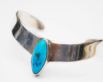 Sterling Cuff Bracelet - Turquoise  -  Taxco Mexico - Modern - silver blue Gemstone Bangle
