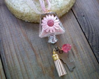 Art Deco pink salt shaker necklace, Sentimental and Reminiscent Memory Jewelry, Recycled/Upcycled jewelry, Free USA shipping, Made in USA/MI