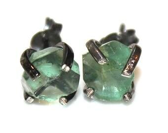 Raw Fluorite Stud Earring Black Gold Earring Green Fluorite Jewelry Free Form Mismatched Earring Aqua Prong Set Earring Raw Gemstone