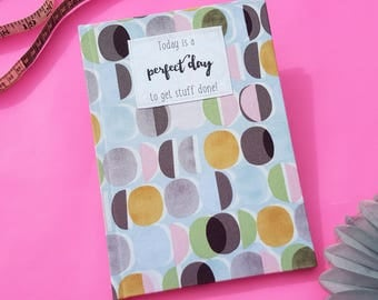 Academic Diary 2017 / 2018 A5 Hardback Fabric Covered Week to View Lozenges