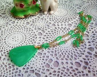 Vintage 1970s Pendant - Green Plastic Pendant on Chain - Emerald Green - Faux Jade - Vintage Pendant - Seventies Pendant Necklace - Green