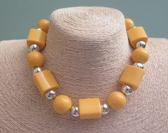 Vintage Yellow Choker Necklace - 1960s - 1970s - Yellow Plastic Necklace - Vintage Necklace - Sixties - Seventies - Yellow and Silver Tone