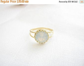 SALE - Gold opal ring - White opal ring - Gold ring with white crystal - Vintage opal ring - bridal jewelry - opal ring