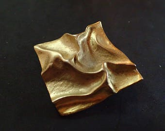 French Vintage Gold tone Crumpled Square Brooch T-31