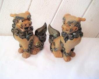 Pair of vintage foo dogs, Asian dogs, Oriental figurines, ceramic foo dogs statue, Andrea by Sadek, made in Japan, 70s 80s