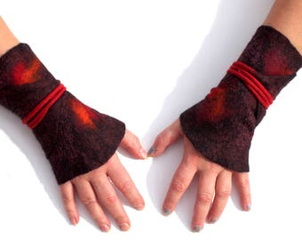 Cuffs felted on silk in Bordeaux very noble