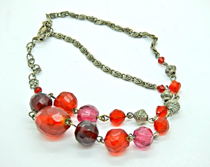 Red necklace gift-for-her, the perfect classy and affordable gift jewelry.