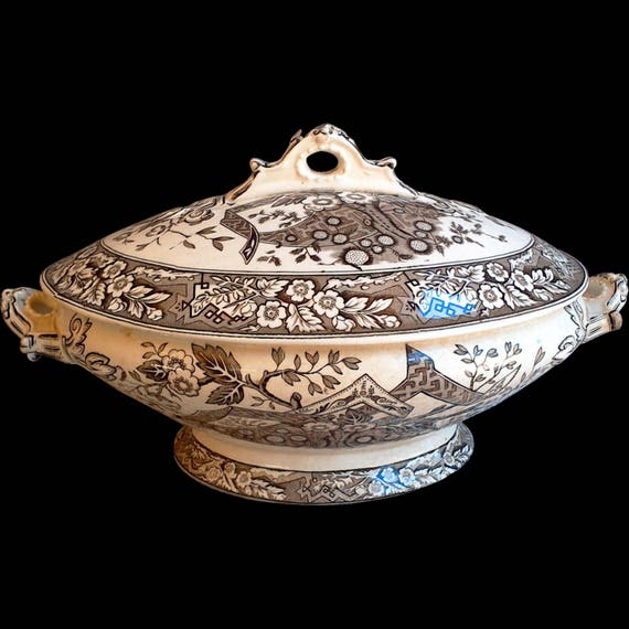 Antique Wedgwood Beatrice Covered Tureen, 1800's, Aesthetic Movement, Brown Transferware, Covered Casserole Dish, Old Dishes
