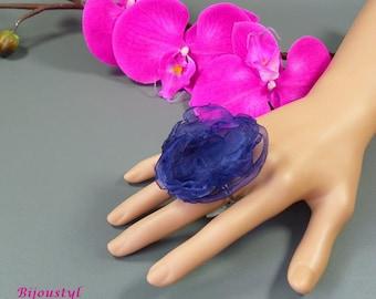 "Fancy ""Volantine"" on medium blue organza flower ring silver"