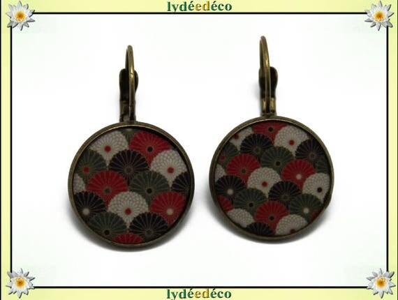 Earrings retro Japan fan flower Japan Red White Green Khaki Black resin beads bronze resin